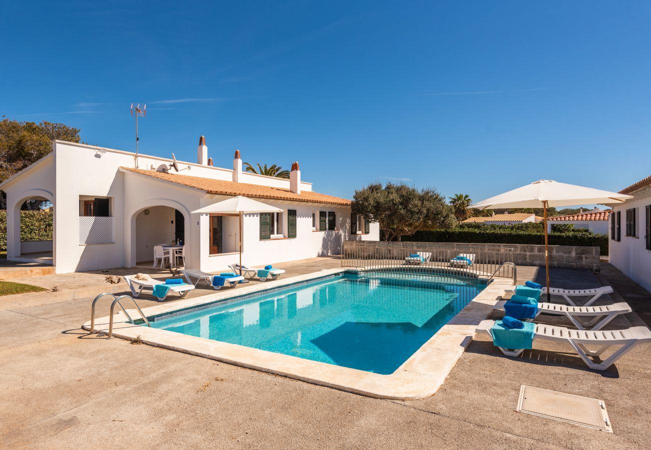 Apartamento en Cala´n Blanes - Menorca-APTO I / C.BRUT