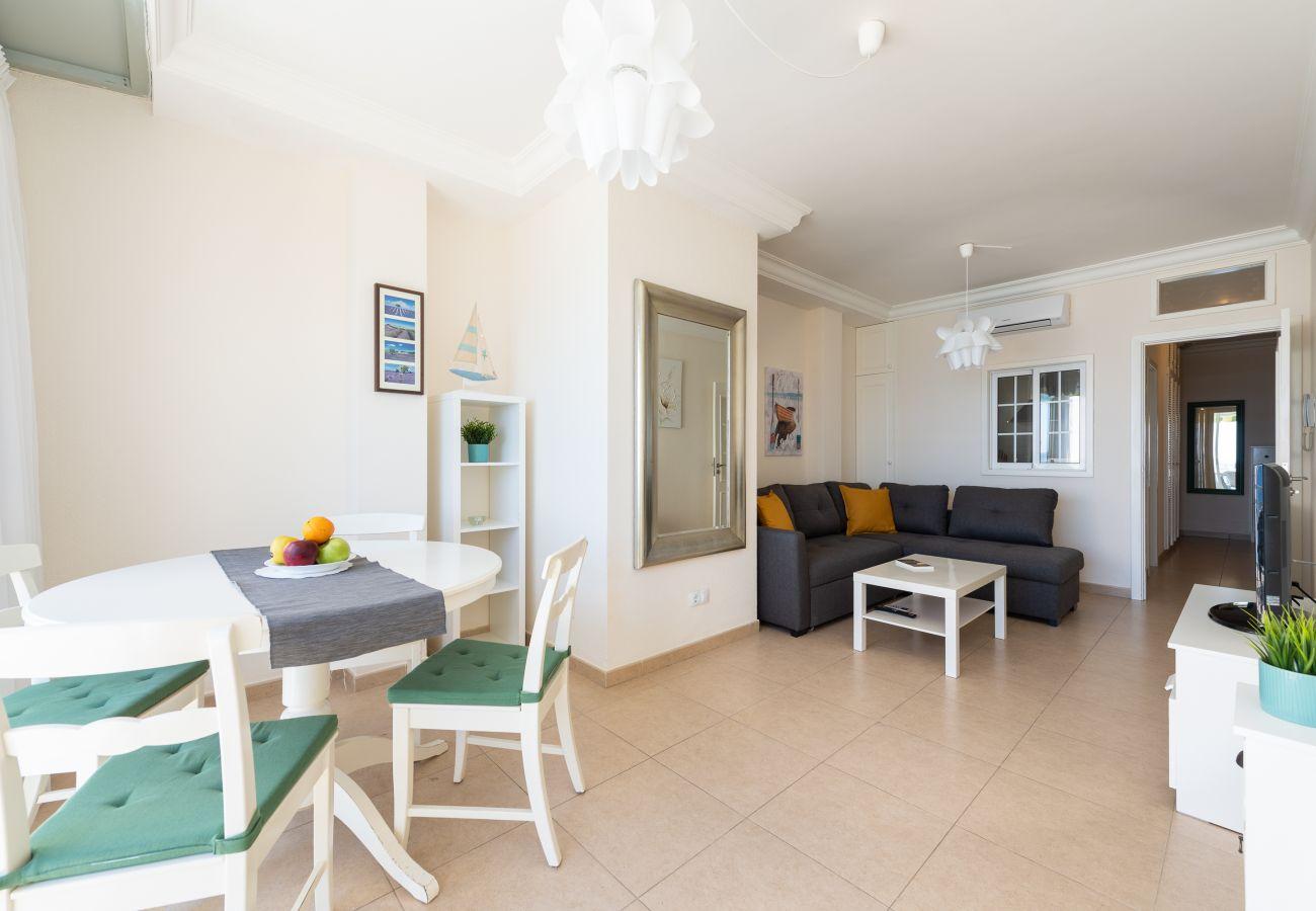 Apartamento en Las Palmas de Gran Canaria - Front line with nice terrace By CanariasGetaway