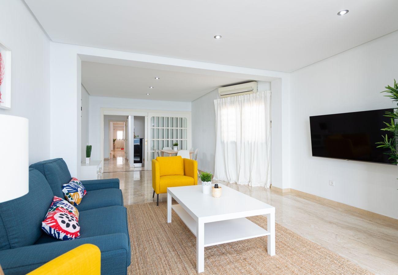 Casa en Las Palmas de Gran Canaria - Awesome 3BR beachfront terrace By CanariasGetaway